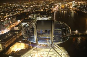 london-eye-capsule-at-night-photo_1179795-770tall
